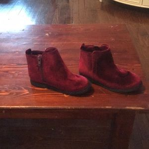 Toddler girl size 10 GAP boots. Worn once
